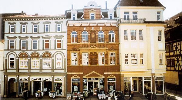 Mühlhausen, Steinweg Umbau/Sanierung von 3 Geschäftshäusern Baujahr: 1997 / ca. Nutzfläche: 8.300 m²